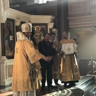 Alexander Temerko gives a welcome address at Orthodox Cathedral in London, together with Father Isidoros Fakitsas and Archbishop Elisey
